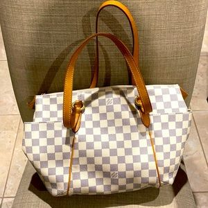 Authentic Louis Vuitton Totally Handbag MM damier